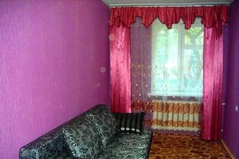 Сдается 2-комнатная квартира посуточно в Нежине, Московская, 15б.