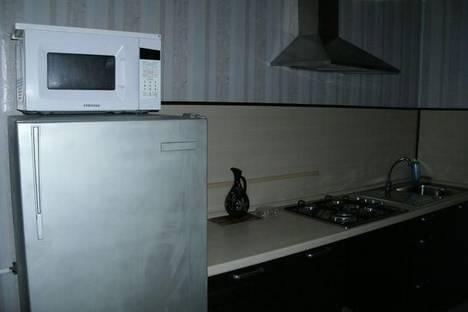 Сдается 2-комнатная квартира посуточнов Астрахани, ул. Урицкого, 3.