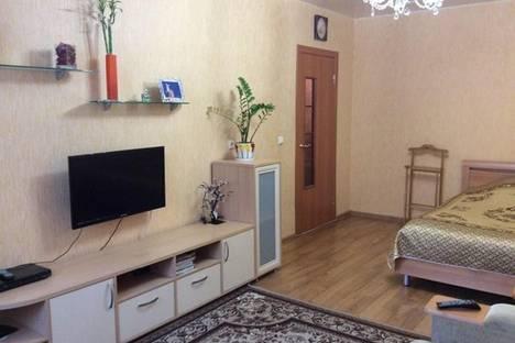 Сдается 1-комнатная квартира посуточно в Кирове, ул. Воровского, 115.