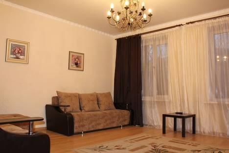 Сдается 1-комнатная квартира посуточно в Челябинске, ул. Сталеваров, 37.