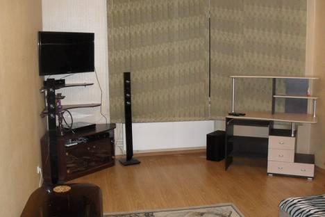 Сдается 1-комнатная квартира посуточно в Энгельсе, ул. Льва Кассиля, 14а.