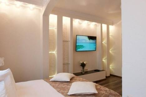 Сдается 1-комнатная квартира посуточно в Набережных Челнах, Торговый Квартал 32,62 к-с.
