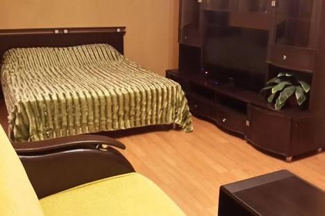 Сдается 2-комнатная квартира посуточно в Ярославле, ул. Урицкого, 33.