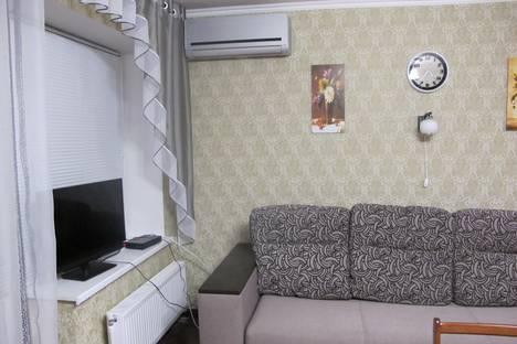 Сдается 2-комнатная квартира посуточнов Новой Каховке, пр.Победы,12а.