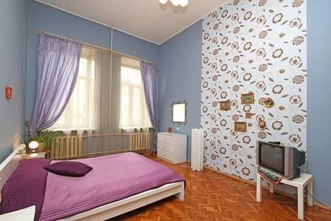 Сдается 2-комнатная квартира посуточно, Невский проспект, 79.