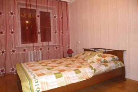 Сдается 2-комнатная квартира посуточно в Ульяновске, Кобозева 18.