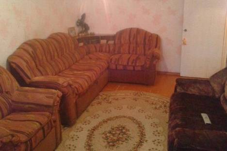 Сдается 2-комнатная квартира посуточно в Саяногорске, Советский, 38.