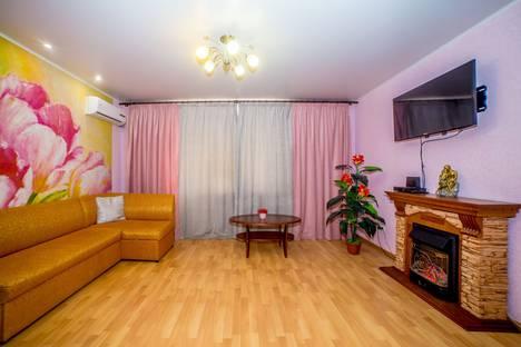 Сдается 1-комнатная квартира посуточно в Саратове, ул. Чапаева, 128/130.