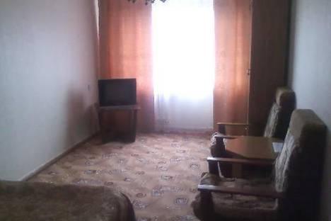 Сдается 2-комнатная квартира посуточно в Кировске, пр-т Ленина 27.