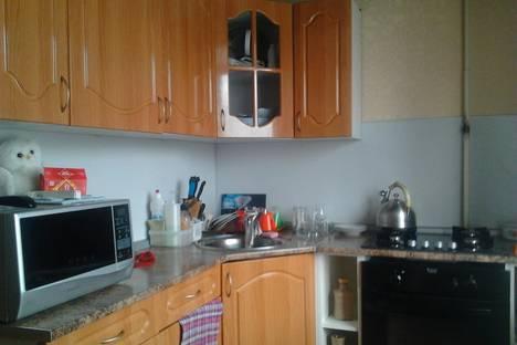 Сдается 1-комнатная квартира посуточно в Серове, Победы 32.