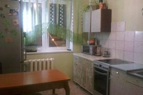 Сдается 3-комнатная квартира посуточно в Кировске, Олимпийская, 57.