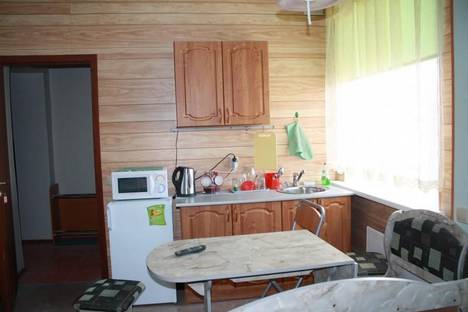 Сдается 2-комнатная квартира посуточно в Кировске, ул. Парковая, 22.