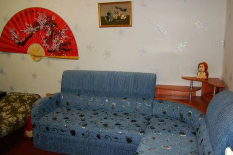 Сдается 1-комнатная квартира посуточно в Кировске, Олимпийская, 23.