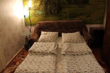 Сдается 1-комнатная квартира посуточно в Кировске, Комсомольская, дом 8.