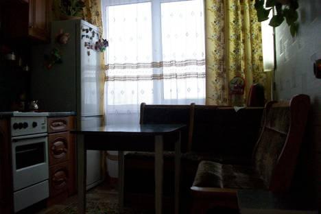 Сдается 3-комнатная квартира посуточно в Кировске, Олимпийская, дом 79.