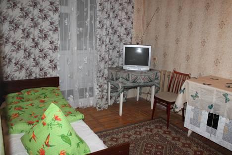Сдается 4-комнатная квартира посуточнов Апатитах, Кирова, дом 6а.
