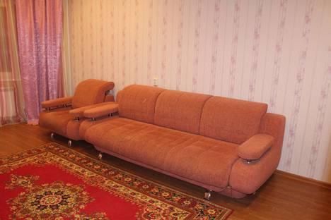 Сдается 3-комнатная квартира посуточнов Кировске, Олимпийская, 85.