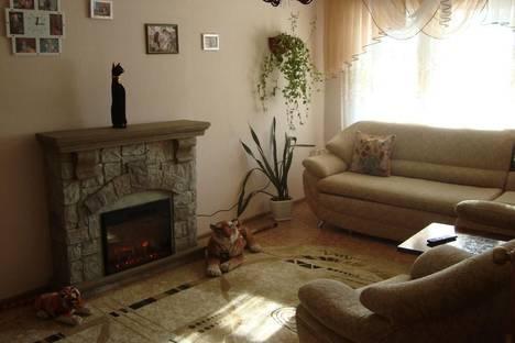 Сдается 2-комнатная квартира посуточно, Гагарина, 190.