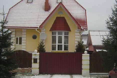 Сдается коттедж посуточно в Петергофе, ул. Беловой,  4.
