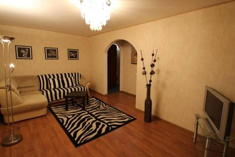 Сдается 2-комнатная квартира посуточно в Уфе, проспект Октября, 106\1.