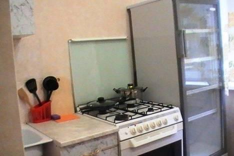 Сдается 1-комнатная квартира посуточно в Новоуральске, Комсомольская, 17а.