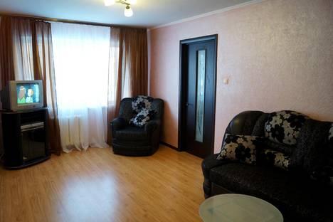 Сдается 3-комнатная квартира посуточно в Новокузнецке, ул. Циолковского, 28.