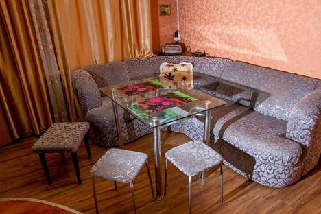 Сдается 2-комнатная квартира посуточно в Великом Устюге, ул. Дежнева, 20.