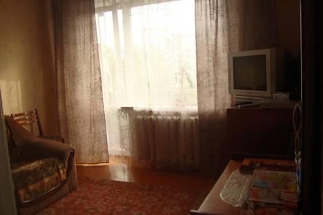 Сдается 1-комнатная квартира посуточно в Чайковском, ул. Советская, д. 2, корп. 1.