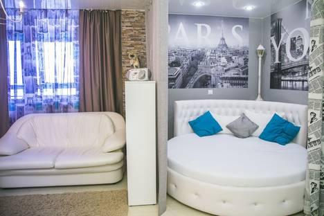 Сдается 1-комнатная квартира посуточно в Красноярске, Авиаторов 38.