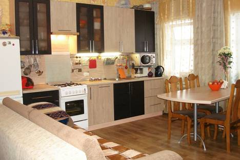 Сдается 2-комнатная квартира посуточнов Великом Устюге, д. Благовещенье ул. Школьная д. 10.