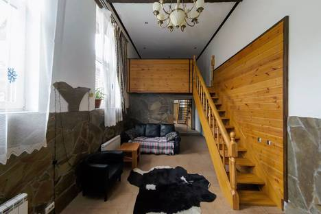 Сдается 1-комнатная квартира посуточно в Красной Поляне, ул. Защитников Кавказа, 13.