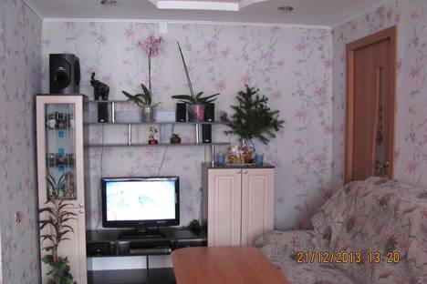 Сдается 2-комнатная квартира посуточнов Таштаголе, Дзержинского 13.