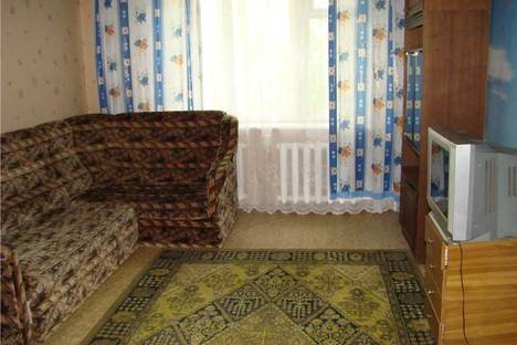 Сдается 3-комнатная квартира посуточно, Демидовская ул., 80.
