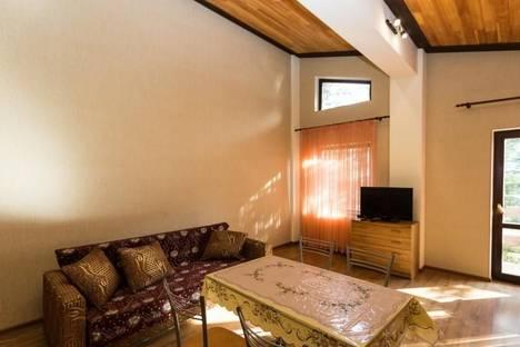 Сдается 2-комнатная квартира посуточно в Красной Поляне, ул. Турчинского, 51.