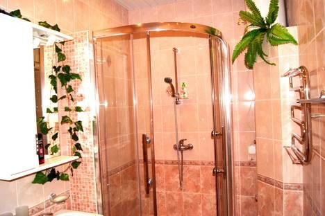 Сдается 3-комнатная квартира посуточно в Пскове, ул. Кузбасской Дивизии, 24а.