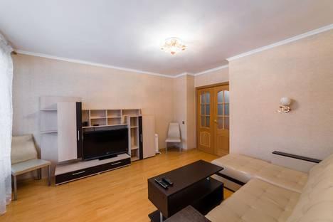 Сдается 3-комнатная квартира посуточно, ул. Чкалова, 33.