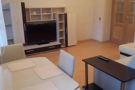 Сдается 3-комнатная квартира посуточно в Ярославле, ул. Чкалова, 33.