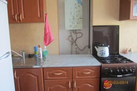 Сдается 3-комнатная квартира посуточно в Коврове, ул. Федорова, 96.