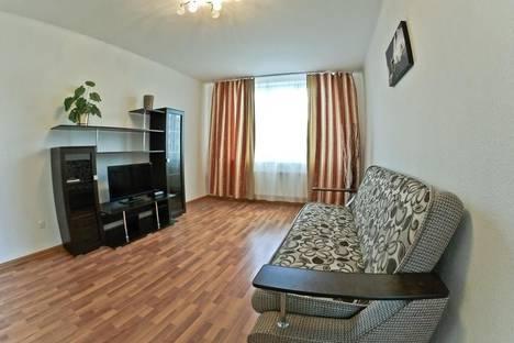 Сдается 2-комнатная квартира посуточнов Екатеринбурге, Кузнецова, 7.