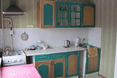 Сдается 2-комнатная квартира посуточнов Омске, ул. Ермолаева, 8.