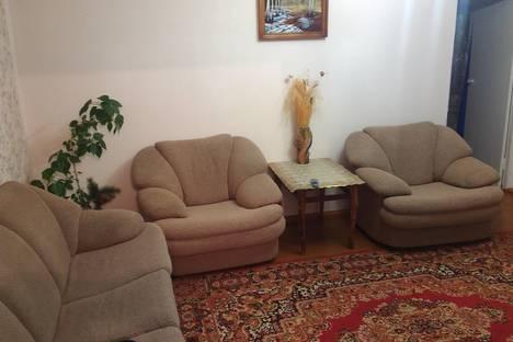 Сдается 2-комнатная квартира посуточно в Саяногорске, Заводской д6.