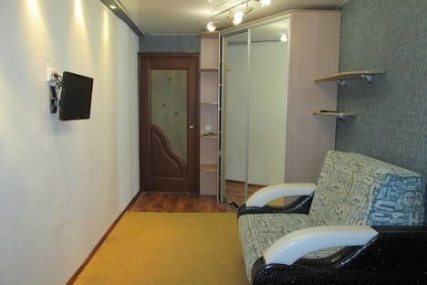 Сдается 2-комнатная квартира посуточно в Нефтеюганске, ул. Нефтяников, 2.