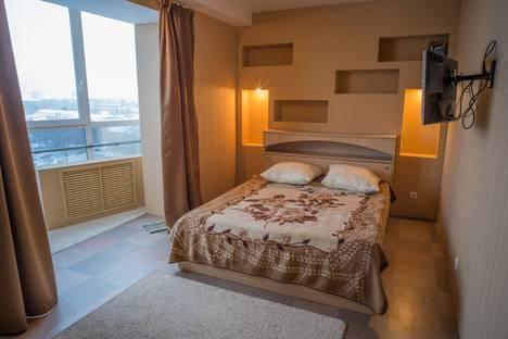 Сдается 3-комнатная квартира посуточнов Перми, ул. Николая Островского, 119.