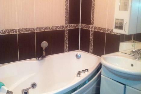 Сдается 2-комнатная квартира посуточно в Орске, Добровольского 12.