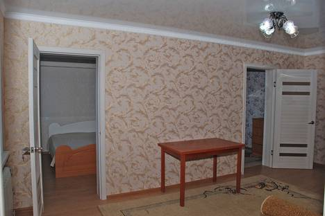 Сдается 3-комнатная квартира посуточнов Атырау, Махамбета, 118 В.