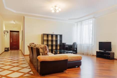 Сдается 2-комнатная квартира посуточно в Ростове-на-Дону, 13 линия, 35.