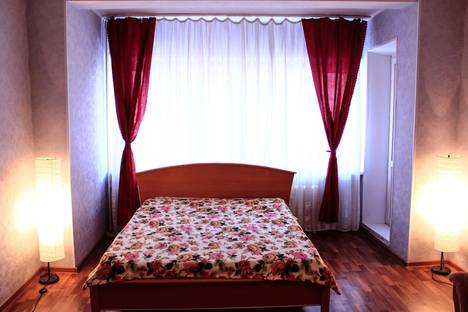 Сдается 1-комнатная квартира посуточно в Сургуте, Дзержинского 6/2.