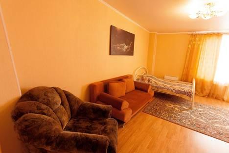 Сдается 1-комнатная квартира посуточнов Тюмени, ул, 50 лет ВЛКСМ, 13.