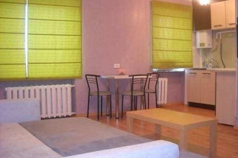 Сдается 1-комнатная квартира посуточно в Днепре, ул. Запорожское шоссе, 14.