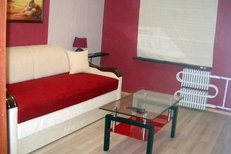 Сдается 1-комнатная квартира посуточнов Новомосковске, ул. Набережная Победы, 108.